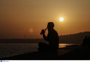 ΠΟΥ: «Πρωταθλητές» στην κατανάλωση αλκοόλ οι Ευρωπαίοι, πίνουν λιγότερο οι Έλληνες