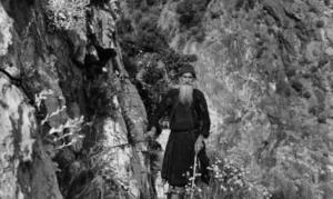 Η συγκλονιστική μαρτυρία του ανθρώπου που φιλοξένησαν οι γυμνοί μοναχοί του Αγίου Όρους!