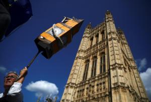 Λιγότερο σοβαρές οι επιπτώσεις από ένα Brexit χωρίς συμφωνία λέει η Τράπεζα της Αγγλίας