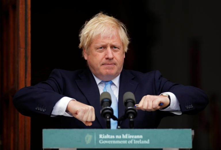 """""""Είμαι ο Χάλκ"""", λέει ο Τζόνσον και ετοιμάζεται για Brexit στις 31 Οκτωβρίου"""