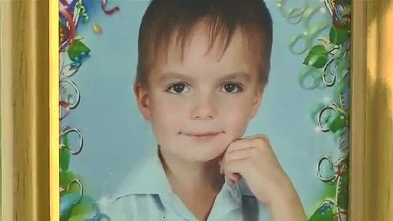 Βουτιά θανάτου από 8χρονο – Δεν άντεχε την κακοποίηση από τους γονείς του