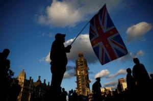 Αισιόδοξος ο Γιούνκερ! Ακόμη ελπίζει σε συμφωνία για το Brexit