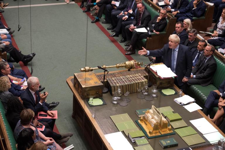 Βρετανία: «Ξεφεύγει» ο Μπόρις Τζόνσον! Αποκάλεσε «κορίτσι σπασικλάκι» τον Κάμερον
