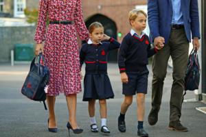 Πρωτάκι η Πριγκίπισσα Σάρλοτ έκανε τα δικά της στην πρώτη μέρα στο σχολείο! [pics]
