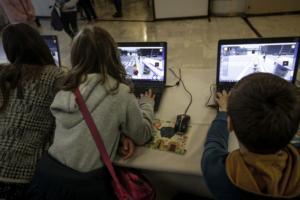 Έξι στα δέκα ελληνόπουλα έως δέκα ετών έχουν ανεξέλεγκτη πρόσβαση στο διαδίκτυο