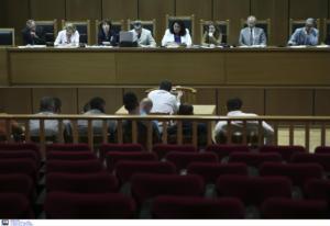 Δίκη Χρυσής Αυγής: Αμνησία και εξυπηρετήσεις για την επίθεση στους αιγύπτιους ψαράδες