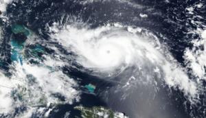 ΗΠΑ: Ο τυφώνας Ντόριαν απειλεί τις Μπαχάμες – Μπορεί να την γλιτώσει η Φλόριντα