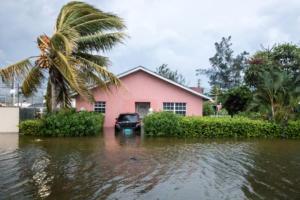 Κυκλώνας Ντόριαν: Μαρτυρίες – σοκ για το καταστροφικό του πέρασμα! video, pics