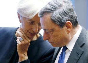 Όλοι κρέμονται από τα χείλη του Μάριο Ντράγκι – Τι περιμένει και σε τι ελπίζει η Ελλάδα