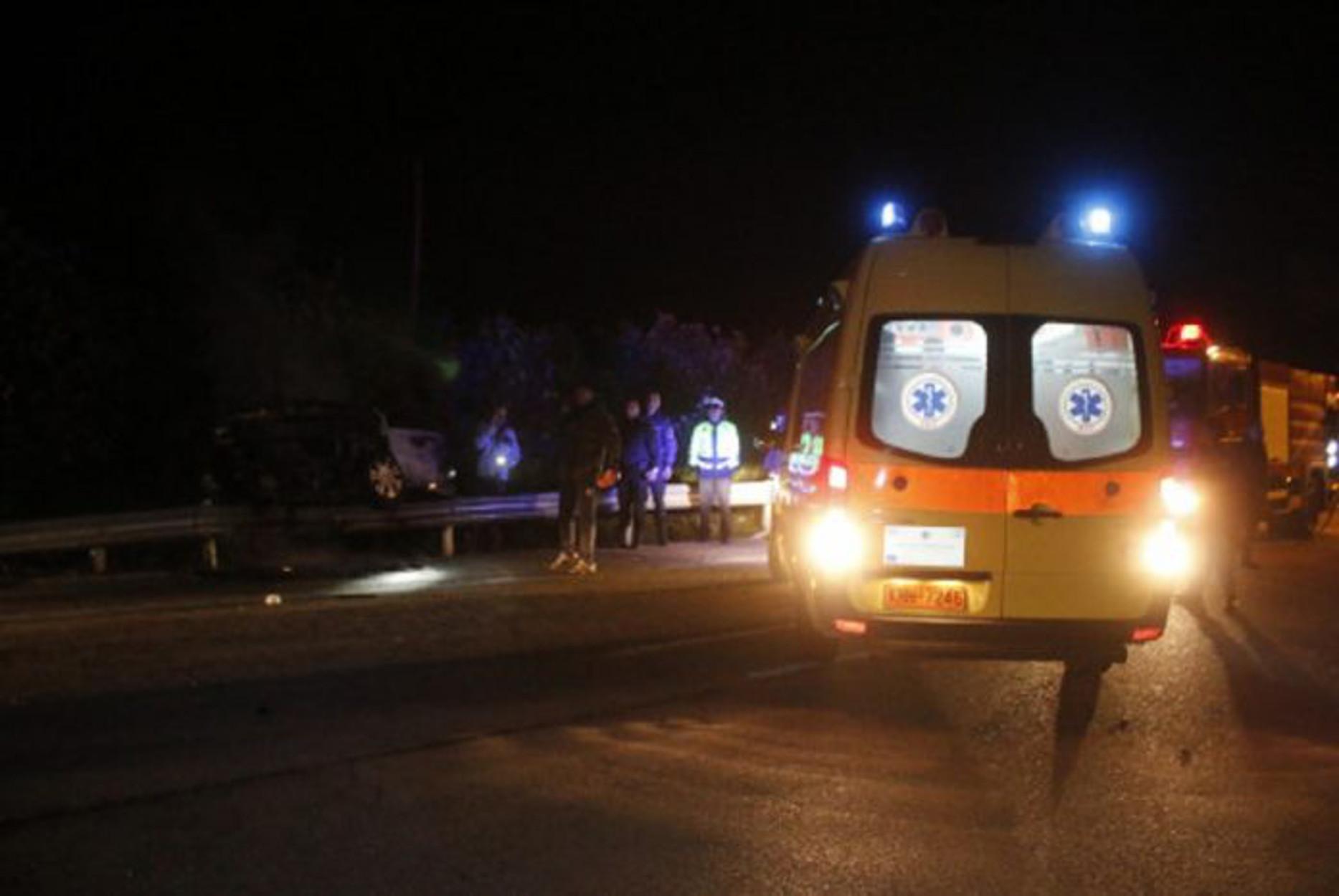 Τρίκαλα: Τροχαίο στην Φήκη! Άρπαξε φωτιά αυτοκίνητο