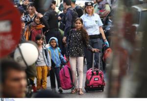 Εξάρχεια: Συνολικά 143 αλλοδαποί ήταν στο υπό κατάληψη κτίριο – 56 είναι ανήλικοι
