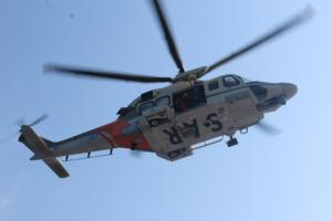 Όλυμπος: Ελικόπτερο Super Puma παρέλαβε τον τραυματισμένο ορειβάτη – Μάχη με τον χρόνο για τον ανήλικο!