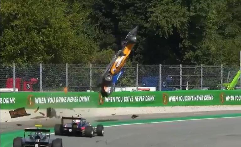 Τρομακτικό ατύχημα στη Formula! «Πέταξε» με 241 χιλιόμετρα – video