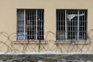 Ένταση και συμπλοκές στις φυλακές Αυλώνα! Τρεις σοβαρά τραυματίες