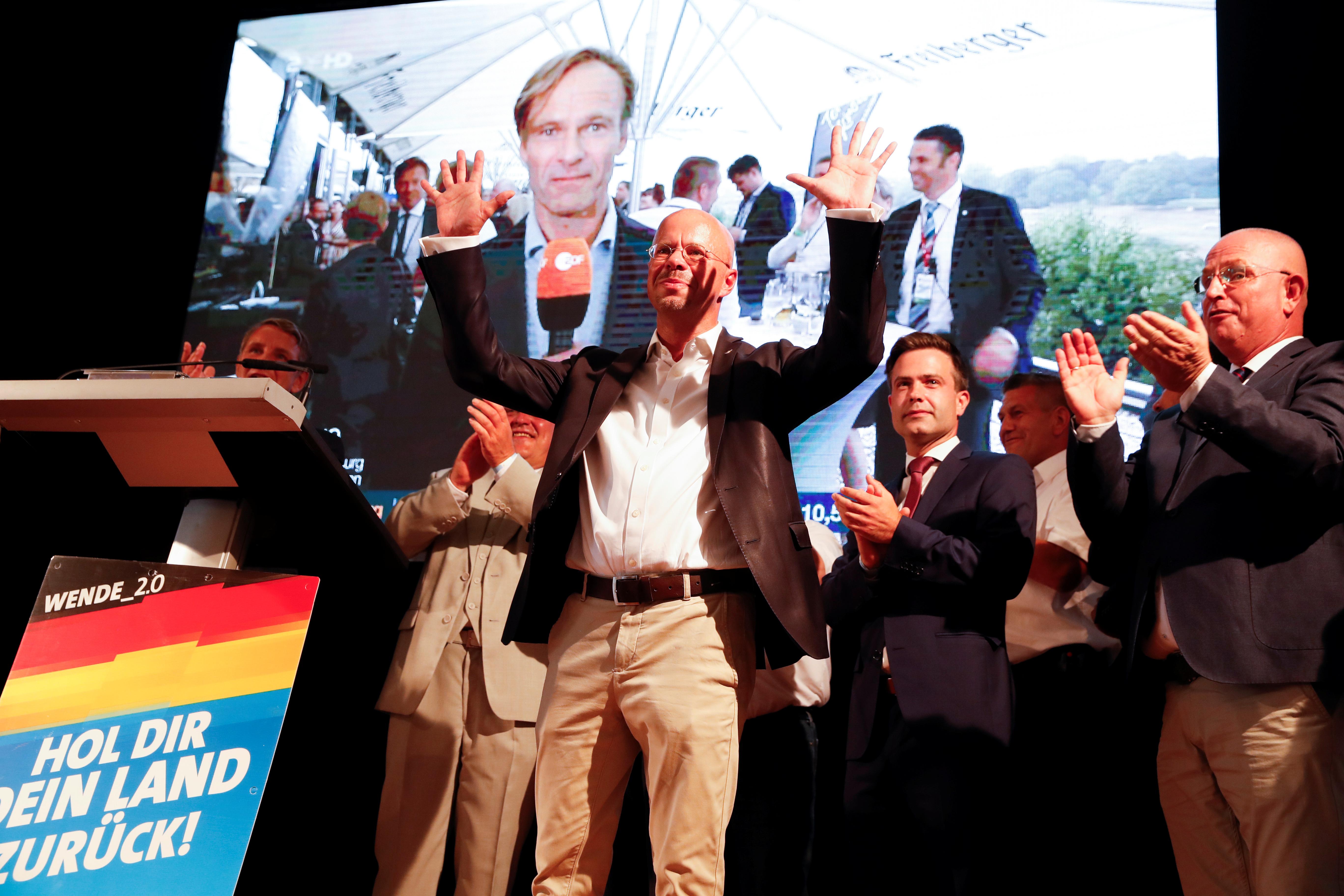 """Γερμανία: """"Πάρτι"""" του ακροδεξιού AfD σε Σαξονία και Βρανδεμβούργο - Διπλάσιο ποσοστό και άνοδος 18%!"""