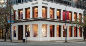 Ο οίκος Hermès κατηγορείται για «κλοπή» έργου του καλλιτέχνη «1010»!