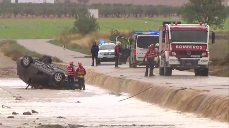 Τραγωδία στην Ισπανία: Δύο νεκροί από τις καταρρακτώδεις βροχοπτώσεις
