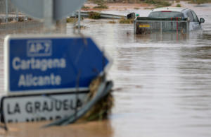 Θρηνεί τρεις νεκρούς η Ισπανία – Τρομακτικές εικόνες από τις πλημμύρες στην Ανδαλουσία