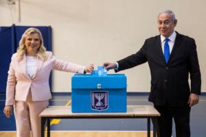 Ισραήλ: Εκλογική μάχη «σώμα με σώμα» – Στην ψήφο η διαφορά Νετανιάχου – Γκαντς [pics]
