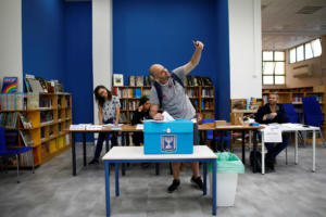 Ισραήλ: Μπίμπι ή… Μπένι; Οι πολίτες αποφασίζουν για την επόμενη κυβέρνηση