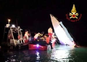 Ιταλία: Το κυνήγι του ρεκόρ κατέληξε σε τραγωδία – Τρεις νεκροί από συντριβή ταχύπλοου