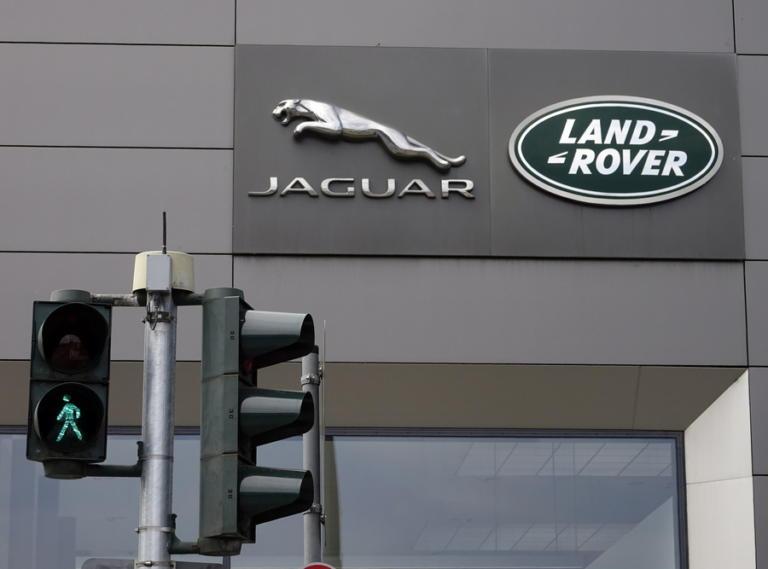 Brexit: Η Jaguar – Land Rover κλείνει για μια εβδομάδα τα εργοστάσιά της στη Βρετανία!