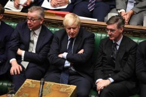 Brexit: Ξανά σε αχαρτογράφητα νερά μετά την πρώτη ήττα του Μπόρις Τζόνσον