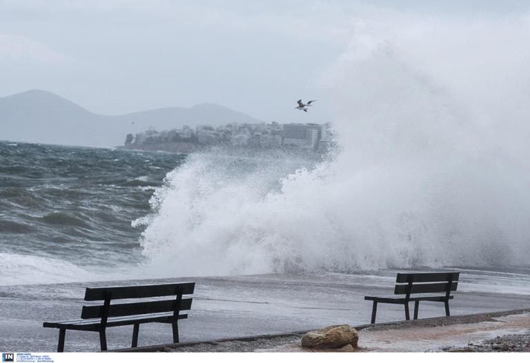 Καιρός – meteo: Θα μας πάρει και θα μας σηκώσει το Σάββατο! Άνεμοι θα φτάσουν τα 9 μποφόρ