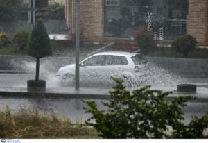 Καιρός σήμερα: Βροχές, καταιγίδες και ισχυρά μελτέμια