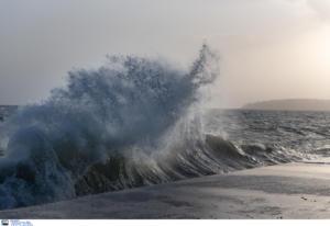 Καιρός: Θυελλώδεις άνεμοι και μικρή πτώση της θερμοκρασίας