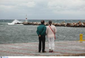 Καιρός: Καλοκαίρι τέλος; Ψυχρό μέτωπο προκαλεί βουτιά στον υδράργυρο