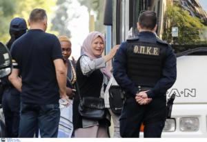 Τι βρήκε η ΕΛ.ΑΣ. στα κτίρια υπό κατάληψη που εκκενώθηκαν – «Σφράγισαν» την είσοδο