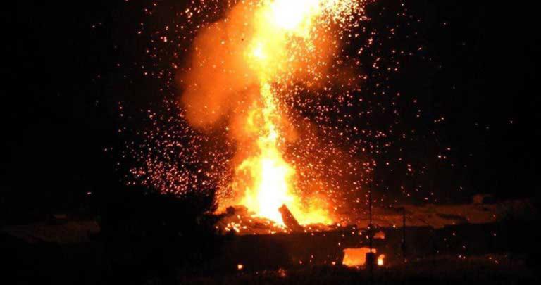 Κόλαση πυρός στα κατεχόμενα – Διαδοχικές εκρήξεις σε αποθήκη πυρομαχικών [video]