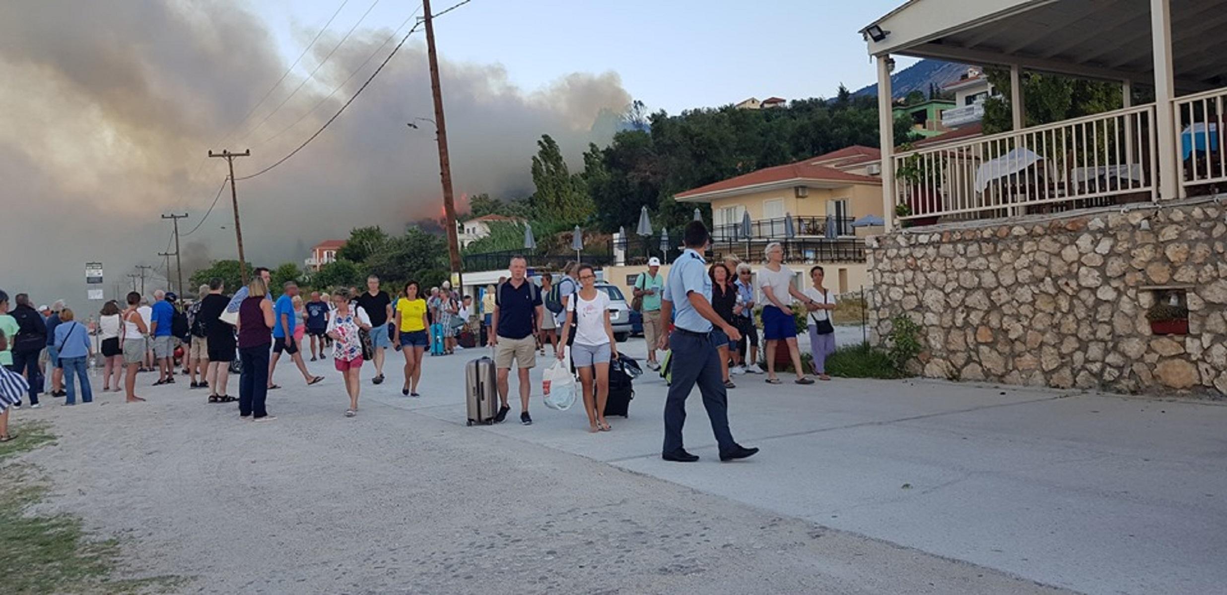 Φωτιά στην περιοχή Λουρδάτα στην Κεφαλονιά