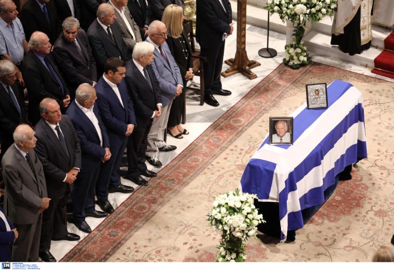 Τελευταίο αντίο στον Αντώνη Λιβάνη