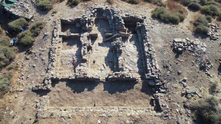 Αρχαίοι θησαυροί ήρθαν στο φως απέναντι από την αρχαία πόλη της Κύθνου [pics]