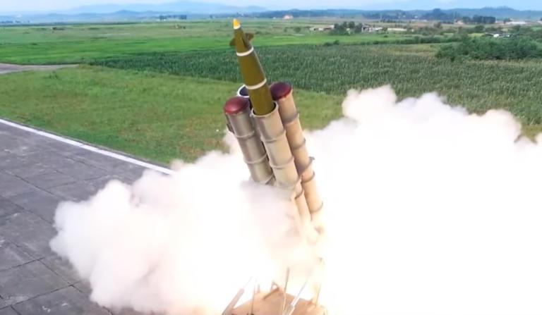 Βόρεια Κορέα: Ο Κιμ το… πάτησε ξανά! Νέοι πύραυλοι εκτοξεύτηκαν προς την θάλασσα – video