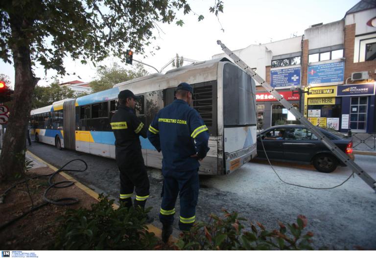 Φωτιά σε λεωφορείο στις Αχαρνές