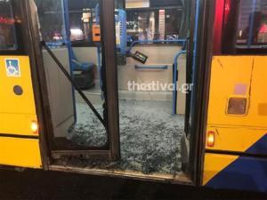 Θεσσαλονίκη: Αλλοδαποί έκαναν γυαλιά – καρφιά αστικό λεωφορείο! video