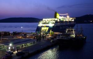 Πειραιάς: Τι ισχύει για τα δρομολόγια από και προς το λιμάνι