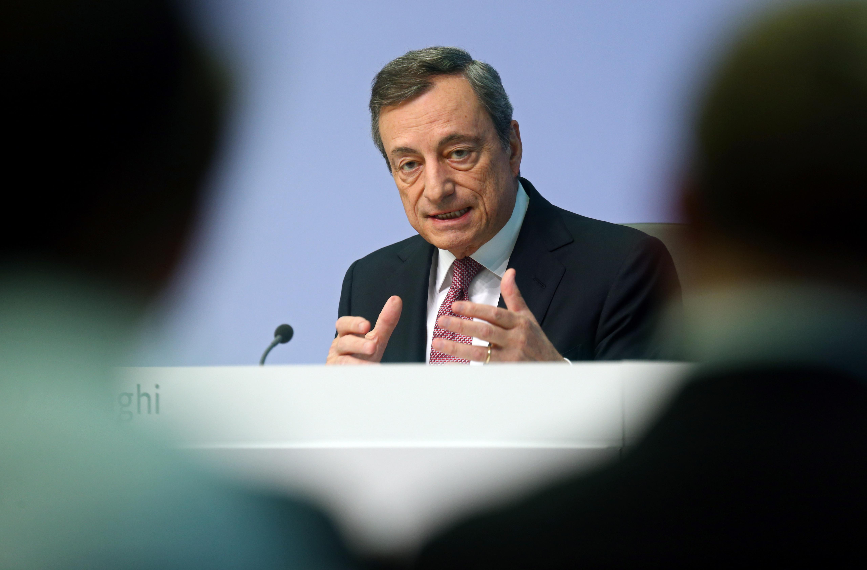 """Ο σούπερ Μάριο """"κατάπιε"""" και την Γερμανία – Η Ελλάδα περιμένει αναβάθμιση – Νέα «βουτιά» στις αποδόσεις ομολόγων"""