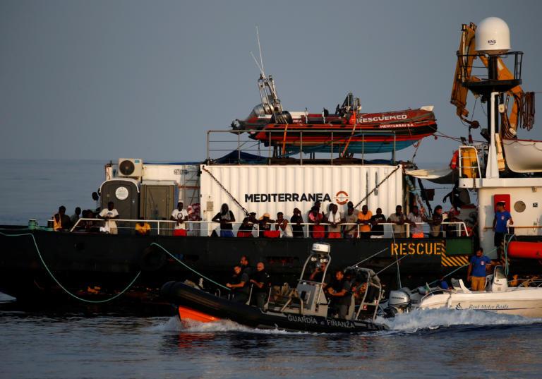 Η Ιταλία ζητά να αποβιβάσει στη Βαλέτα 90 μετανάστες