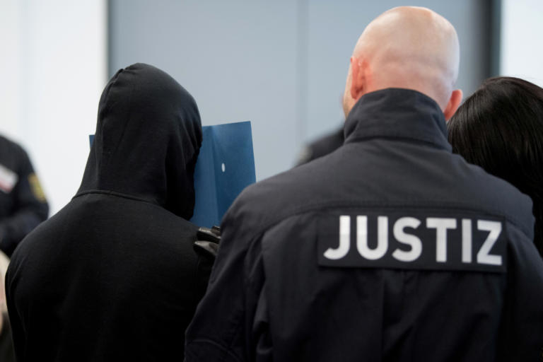 Ξεκινάει η δίκη των νεοναζί! Σχεδίαζαν επιθέσεις σε όλη την Γερμανία