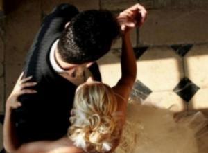 Κοζάνη: Η νύφη άφησε τους πάντες άναυδους – Η ιδιαίτερη είσοδος στο γαμήλιο γλέντι – video