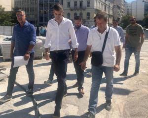 """Στο εργοτάξιο της Ομόνοιας ο Κώστας Μπακογιάννης – Ζήτησε να """"τρέξουν"""" πιο γρήγορα τα έργα"""