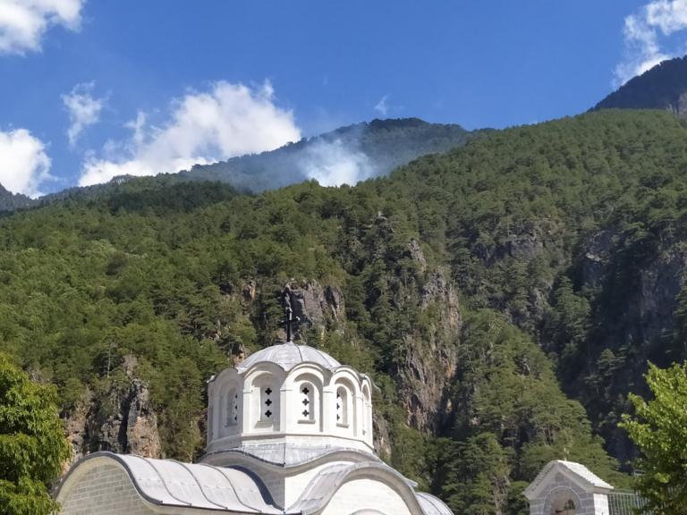 Φωτιά κοντά σε μοναστήρι στην Κόνιτσα