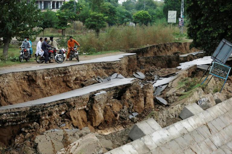Πακιστάν: Τουλάχιστον 24 νεκροί από τον φονικό σεισμό – «Ισοπεδώθηκαν» περιοχές