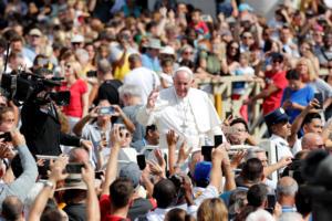 Οργή Πάπα κατά Τραμπ και Ευρωπαίων για το προσφυγικό