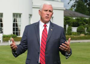 Έρευνα από τους Δημοκρατικούς για την διαμονή Πενς σε ξενοδοχείο του Τραμπ