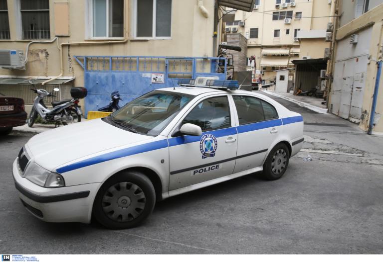 Εξάρχεια: Τα μαζεύει η αλβανική μαφία από την περιοχή